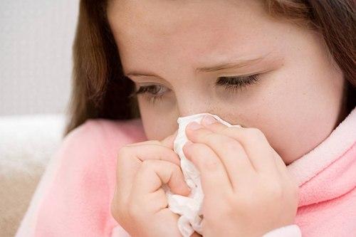 Nhiều chị em băn khoăn mũi bị dị ứng có nâng mũi được không?