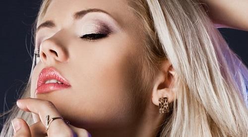 Mũi thanh thoát là điểm nhấn quan trọng hàng đầu trên gương mặt mỗi người