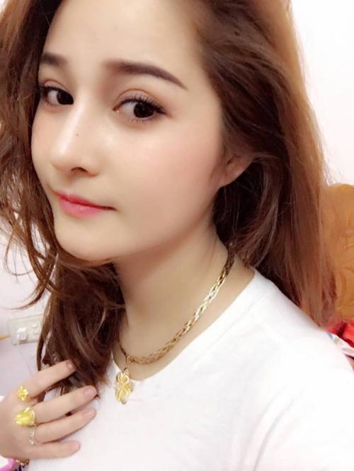 Nhờ sự khéo léo của các bác sĩ Thu Cúc, Thu Hường – cô gái đến từ Lào Cai không chỉ đẹp mà còn rất tự nhiên như chưa từng có dấu hiệu thẩm mỹ