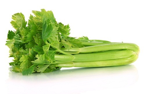 Rau cần tây là thực phẩm giúp ngực nảy nở và săn chắc