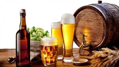 Rượu, bia và những đồ uống có cồn không những ảnh hưởng không tốt đến cơ thể mà còn khiến núi đôi nhỏ đi