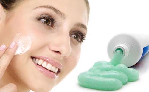 Kem đánh răng giúp bạn thoát khỏi nỗi lo về mụn