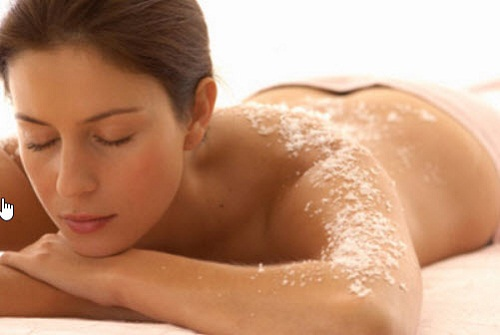 Tẩy tế bào chết thường xuyên là cách giúp khôi phục sự đàn hồi cho làn da