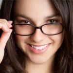 Hỏi đáp: Cắt mí có áp dụng cho mắt cận và viễn thị không?