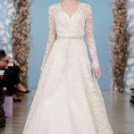 Mách bạn mẫu váy cưới dành cho người có bắp tay và vòng eo to